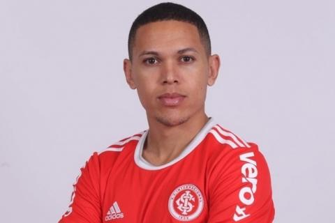 Inter anuncia a contratação do atacante Marcos Guilherme, ex-São Paulo