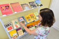 Doações ampliam acervo da Biblioteca da Escola de Gestão Pública em Porto Alegre
