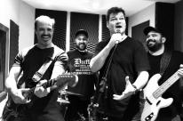 Banda Pedrada Afú faz show no Ocidente