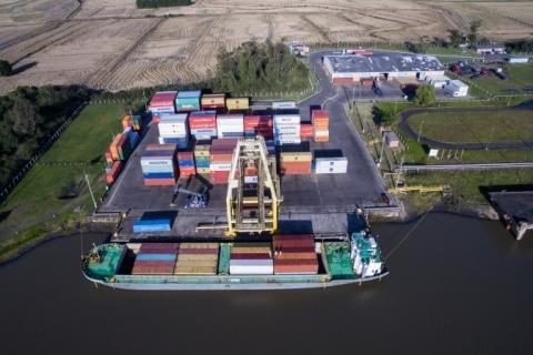 Navegação entre Tecon e Terminal Santa Clara registra recorde