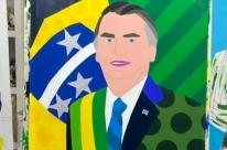 Romero Britto faz quadro em homenagem a Jair Bolsonaro