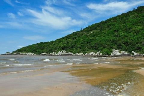 Praias de Itapuã são reabertas de forma simultânea ao público