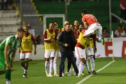 Coudet estreia com vitória do Inter sobre o Juventude no Gauchão