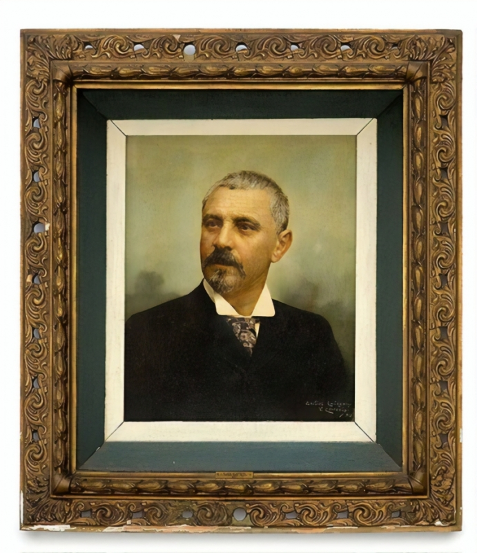 Retrato do líder dos republicanos do Rio Grande do Sul, pintado por Vicente Cervásio em 1913, sobre fotografia do atelier Calegari, pertence ao acervo do museu