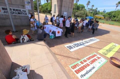 Fórum das Resistências encerra com ato contra a guerra e em solidariedade às vítimas de Brumadinho