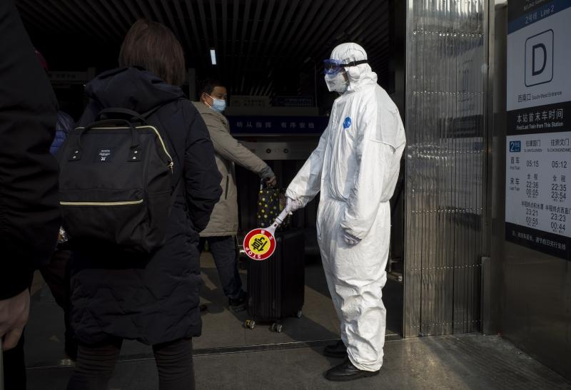 Governo confirmou 1.975 casos da doença e diz que a capacidade do vírus de se espalhar está mais forte