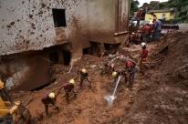 Bombeiros encontram desaparecido, e mortes com chuvas chegam a 56 em MG