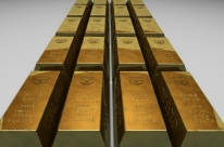 Ouro fecha em alta, com tensão entre EUA e China, e se aproxima de recorde