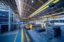 Atividade industrial segue em alta, mas estoque está abaixo do desejado, diz CNI