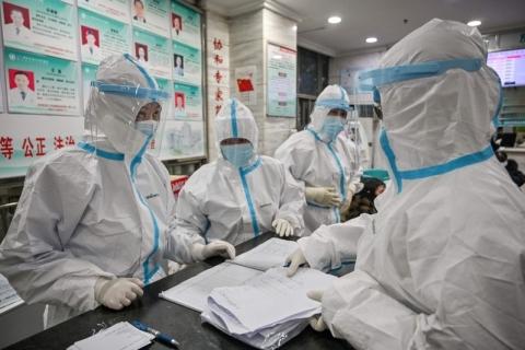 Profissionais alertam sobre falta de material médico na China