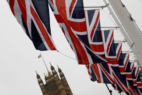 Reino Unido é o sexto país a passar dos 100 mil casos confirmados de coronavírus