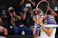 Thiem supera Zverev e será adversário de Djokovic na final do Aberto da Austrália