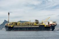 Petrobras continua operação para ancorar plataforma P-70 após ventania