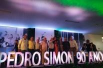 Quatro governadores celebram os 90 anos de Simon em Capão da Canoa
