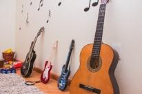 Grupo promove ação com a música Trem Bala para interação entre vizinhos