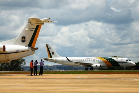 Coronavírus: Brasileiros resgatados de Wuhan chegarão na madrugada de domingo
