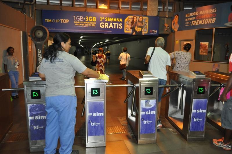 O acesso às estações do metrô também pode ser realizado com o cartão SIM Múltiplo