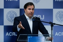 Governo afasta investidores e atrasa reformas, diz Maia