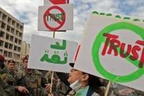 Manifestantes impedem acesso de políticos libaneses ao Congresso