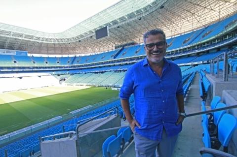 Grêmio escala 'time' fora de campo para puxar receitas