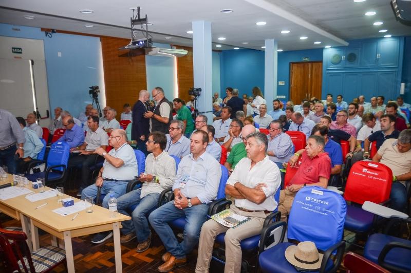 Endividamento do setor e exportações do cereal pautaram a agenda no primeiro dia do evento