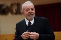 Fachin determina que STJ analise recurso de Lula no caso do tríplex