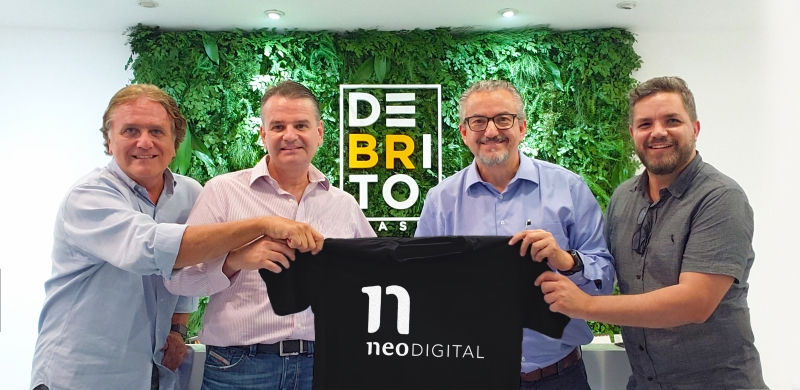 Debrito anuncia parceria com Meneghetti