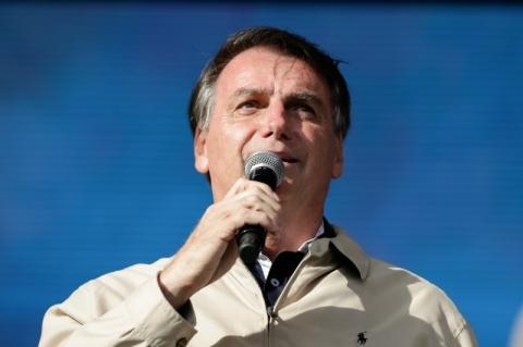 Evento para Bolsonaro em Miami tem mesas vazias e menos de 100 empresários