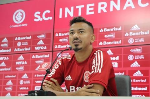 Volante Rodrigo Lindoso testa positivo para Covid-19 antes de partida contra Palmeiras