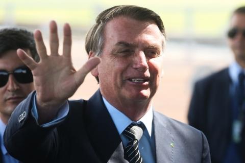 Bolsonaro fará novo exame de coronavírus e ficará em isolamento