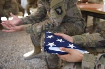 Trump trabalha para retirar parte das tropas dos EUA de Iraque e Afeganistão