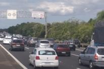 Mais de 160 mil veículos devem voltar a Porto Alegre até quarta