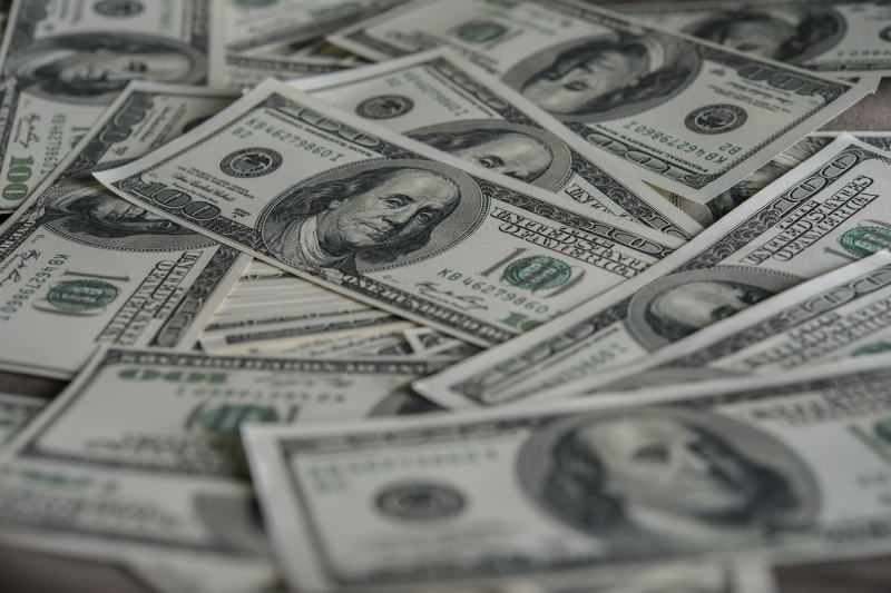 Dólar à vista subia 0,10%, a R$ 5,62
