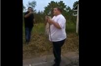 Deputado quebra corrente em terra indígena e grava vídeo para Bolsonaro