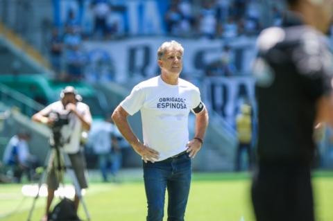 Renato Portaluppi e Grêmio homenageiam Valdir Espinosa