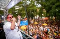 Festas nas ruas continuam agitando Porto Alegre