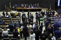Com dois casos de coronavírus, Congresso cancela sessões, e Alcolumbre estuda votação remota