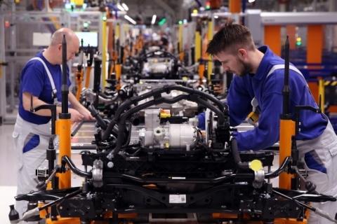 Após queda histórica, confiança do industrial gaúcho tem pequena recuperação