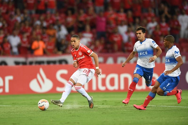 Marcos Guilherme deu mais dinâmica ao ataque colorado na partida contra a La U