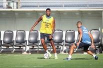 Contra o Pelotas, Grêmio pode ter volta de Jean Pyerre aos gramados