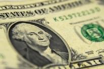 Dólar à vista bate R$ 5,7925, BC faz leilão e moeda desacelera