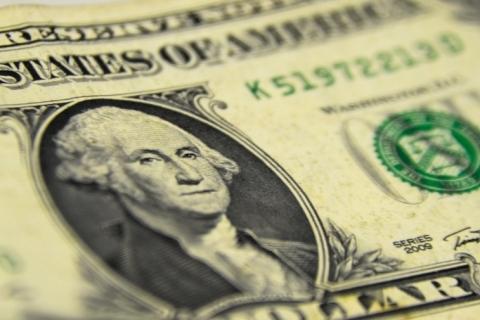 Dólar encosta em R$ 5,60 com Covid na Europa e pacote de estímulos parado nos EUA