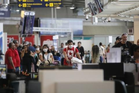 Companhias áreas flexibilizam ajustes de viagens devido ao coronavírus