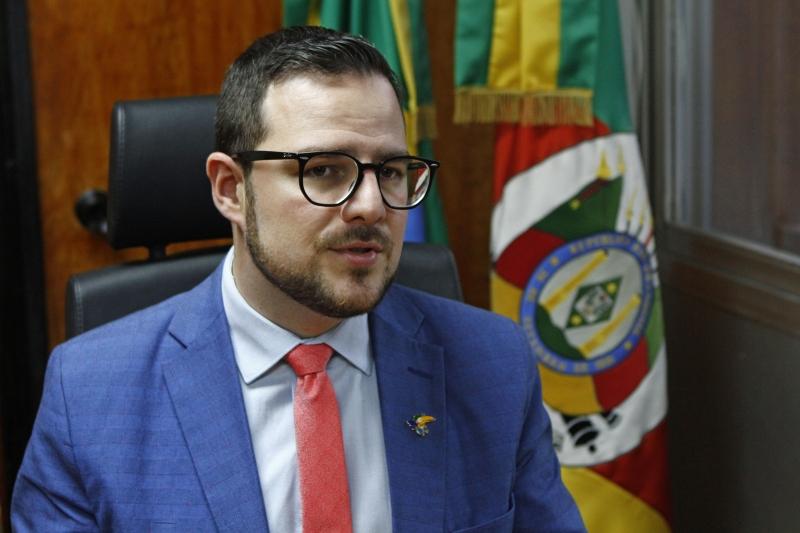 Parecer de Mateus Wesp (PSDB) prevê acordo inédito de poderes para congelamento de orçamentos no próximo ano
