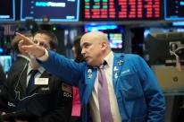 Bolsas de Nova Iorque fecham em forte baixa, em dia de circuit breaker