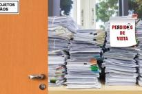 Balança jurídica com o pêndulo desregulado