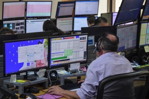 Bolsa de São Paulo fecha estável, aos 102.381,58 pontos com perda de 0,49% na semana