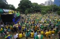 Em meio à pandemia, ato pró-Bolsonaro pede fechamento do Congresso
