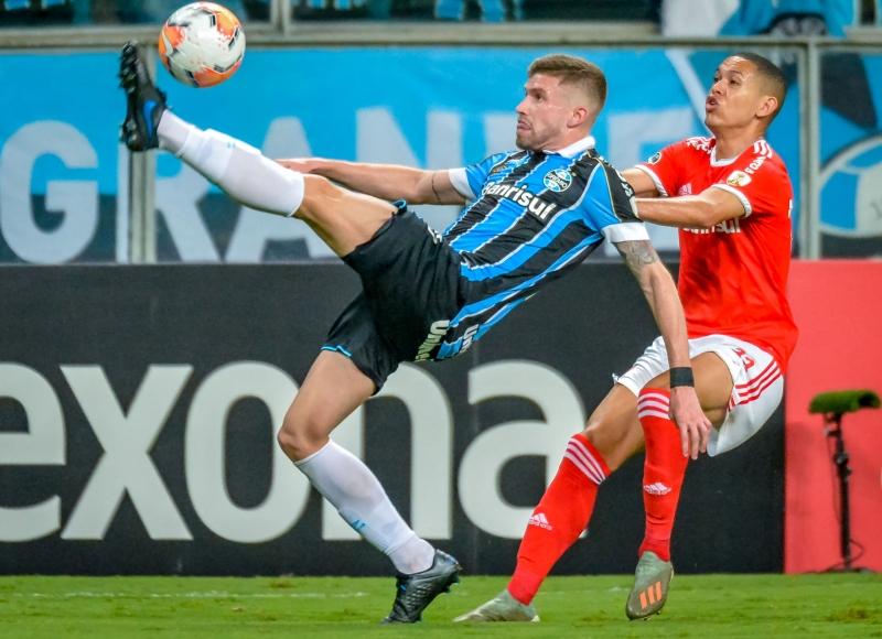 Dupla Grenal marcou reapresentação dos jogadores após liberação de treinos
