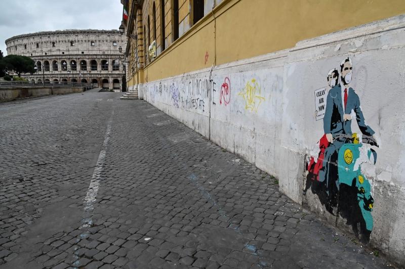 Tradicional destino turístico, ruas de Roma estão vazias
